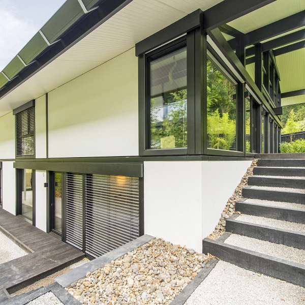 Fresh-Photo-House-UC-featured-600x600